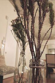 Mademoiselle Cosmopolite: Cette semaine, dans mon pot Mason: Fleurs d'automne Pot Mason, Mason Jars, Pots, Mademoiselle, Glass Vase, Decor, Decoration, Mason Jar, Decorating