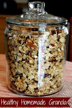 Healthy Homemade Granola Recipe Easy Healthy Homemade Granola Recipe, use this master recipe to make your favorite flavor combinations!Easy Healthy Homemade Granola Recipe, use this master recipe to make your favorite flavor combinations! Healthy Treats, Healthy Drinks, Healthy Granola Recipe, Healthy Food, Ina Garten Granola Recipe, Homemade Granola Recipes, Homade Granola Bars, Cinnamon Raisin Granola Recipe, Vegetarian