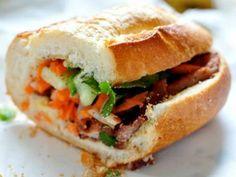 Đi du lịch đến Sài Gòn du khách sẽ được thưởng thức các món ăn ngon và hấp dẫn, một điều đơn giản là những món ăn này dễ tìm và phổ biến ở đường phố