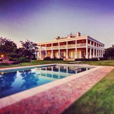 Southern styled plantation home. I wanna live on a plantation when I grow up.
