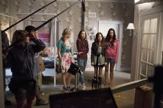 The liars behind the scenes of #PLL!