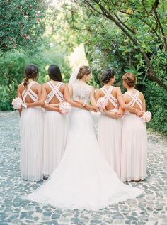 Bride and her bridesmaids. // Love Is My Favourite Color. // #wedding #bride #bridesmaids