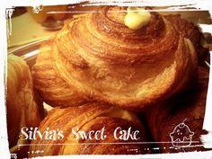 Cruffin con crema allo zabaione https://www.facebook.com/silviassweetcake #cruffin #foodporn #croissantmuffin