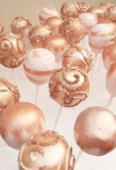 Rose Gold Cake Pops for Weddings & Pink Book Weddings The post La Moraine Cake Boutique appeared first on Wedding. Rose Gold Theme, Gold Wedding Theme, Wedding Book, Rose Wedding, Cake Pops For Wedding, Rosegold Wedding Cake, Gold Wedding Cakes, Wedding Themes, Wedding Bride