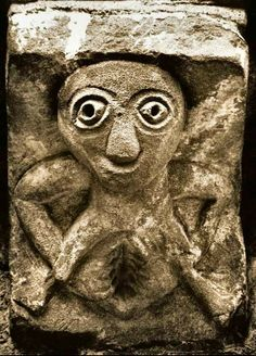 Sheela na Gig.ancient protection symbol for women thought to scare off intruders. Found on churches, nuns houses and castles all over Ireland and Scotland. Ancient Protection Symbols, Romanesque Sculpture, Alexandre Le Grand, Art Tribal, Early Middle Ages, Celtic Symbols, Sacred Symbols, Celtic Tree, Mother Goddess
