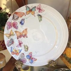 Prato Painted Plates, Hand Painted Ceramics, Ceramic Plates, Porcelain Ceramics, Plates On Wall, Ceramic Pottery, Pottery Painting, Ceramic Painting, China Clay