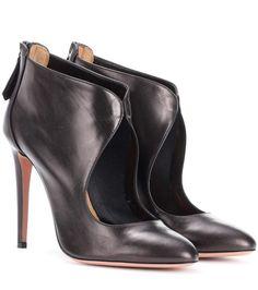 Olivia black leather pumps