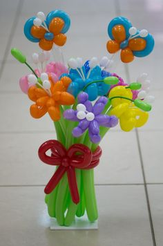Balloon Centerpieces, Balloon Decorations, Flower Decorations, Clowning Around, Balloon Flowers, Balloon Animals, Animal Decor, Party Time, Diy And Crafts