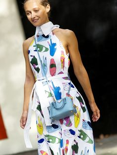 Cool graphic dress and a mini cross body bag // Photo: The Styleograph #LFW #streetstyle
