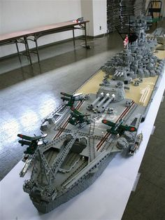 Like its real counterpart, this Battleship Yamato is the biggest Lego ship ever constructed. At 22 feet long, it took 6 years and 4 months to complete by one of our Lego contest winners. Lego Ww2, Lego Aircraft Carrier, Lego Boot, Big Lego, Lego Ship, Lego Pictures, Lego Builder, Lego Mecha, Cool Lego Creations