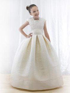 Flower girl dress. Miquel Suay.