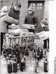 Flaschen- und Altpapier sammeln und dann ab zur SERO (Wertstoff- und Sammelpunkte)
