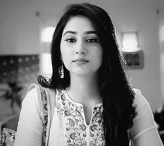 Catch Disha Parmar as Jaanvi in 'Woh Apna Sa' Monday-Friday at PM on Zee TV 😊 Don't miss a single episode! Love You Mom, Crushes, Monday Friday, Actresses, Tvs, My Favorite Things, Lace, Women, Fashion