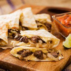 Ganale la batalla al hambre con nuestra jugosa Quesadilla de Arrachera. Receta: http://www.vvsupremo.com/recipe/quesadilla-de-arrachera
