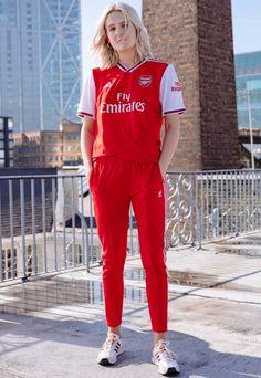 adidas Launch Arsenal Home Shirt - SoccerBible Classic Football Shirts, Vintage Football Shirts, Jersey Outfit, Shirt Outfit, Jersey Shirt, Football Fashion, Football Outfits, Football Girls, Football Design