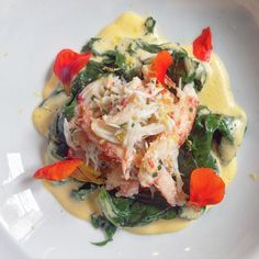 Amazing lunch at Casa Cavia from Chef @PabloMassey on our last day in BA. Pictured: warm Argentinean king crab from Tierra del Fuego with kale and hollandaise sauce.  #VeeTravelsAR #VeeTravelsEats by veetravels