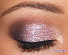 I really like the use of a little bit of glitter on the inner portion of the eye...