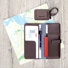 Travel Organizer & Luggage Tag Chocolate - LOST & FOUND accessoires
