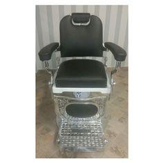 1950 Hairdresser Chair Barber Chair, Furniture Restoration, Hairdresser, Home Decor, Decoration Home, Room Decor, Restoring Furniture, Home Interior Design, Barber