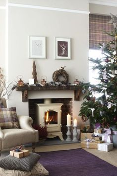 Wonderful Absolutely Free Fireplace Mantels with shelves Thoughts Enjoy a festive highland fling with plaid cushions, woven willow and frosted pine cones spread acro Cottage Living Rooms, Cottage Interiors, Home Living Room, Living Room Decor, Log Burner Living Room, Apartment Living, Christmas Home, Elegant Christmas, Christmas Lounge