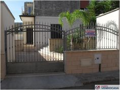 L'agenzia Immobiliare Salento Vendocasa vende abitazione indipendente a Cannole, a pochi km da Otranto.