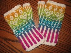 A Freebie Friday Pattern from my blog. Companion mitts to go with the Fair Isle Tam posted here