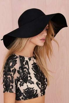 Nasty Gal Carissa Floppy Hat New with tag! Bought on a final sale. Boho Fashion, Fashion Beauty, Fashion Outfits, Womens Fashion, Fashion Hats, Fashion Ideas, Rock Chic, Floppy Hats, Rocker