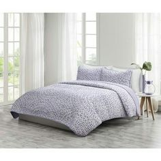 Lilac and white medallions on linen-like cotton give this Mykonos Quilt Mini Set by Echo its tranquil beauty. The set includes a reversible quilt and. Echo Bedding, Lavender Bedding, Purple Bedding, King Bedding Sets, Comforter Sets, California King, Mykonos, Volleyball Room, Mosaic Tile Designs