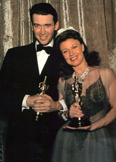 Jimmy Stewart 1940 Best Actor / The Philadelphia Story and Ginger Rogers 1940 Best Actress // Kitty Foyle Hollywood Icons, Hollywood Actor, Golden Age Of Hollywood, Hollywood Stars, Classic Hollywood, Old Hollywood, Academy Award Winners, Oscar Winners, Academy Awards