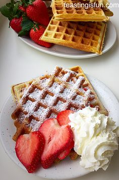 Vanilla Bean Waffles THE best waffle RECIPE allowing you to add whatever topping you desire - maple syrup and bacon. Raw Dessert Recipes, Raw Food Recipes, Mexican Food Recipes, Desserts, Freezer Recipes, Freezer Cooking, Drink Recipes, Cooking Tips, Best Waffle Recipe