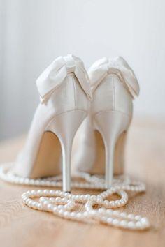 Sinnliches Getting Ready in der Villa Kennedy Frankfurt Angelika Krinke http://www.hochzeitswahn.de/hochzeitstrends/sinnliches-getting-ready-in-der-villa-kennedy-frankfurt/ #wedding #mariage #shoes