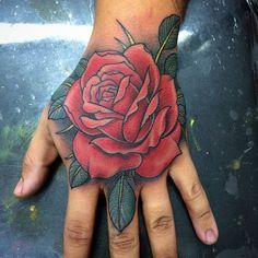 Skull Couple Tattoo, Skull Hand Tattoo, Rose Hand Tattoo, Torso Tattoos, Cool Forearm Tattoos, Body Art Tattoos, Sleeve Tattoos, Rose Drawing Tattoo, Realistic Rose Tattoo