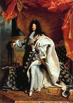 Lodewijk XIV was op zijn vijfde al koning geworden. Van jongs af aan werd er tegen hem verteld dat alles om hem draait. Als dat van jongs af aan tegen je wordt verteld, ga je het ook geloven. Dus toen hij mocht regeren , dacht hij dat hij aan niemand verantwoording hoefde af te leggen, hij was een absolute vorst (absolutisme)