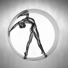 Italian photographer Guido Argentini takes the human form to a whole new level with his photos of painted dancers.