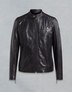 This men's nappa leather café racer jacket features a stand collar and three zipped pockets. Shop the V Racer blouson jacket from Belstaff UK. Industry Look, Leather Fashion, Mens Fashion, Cafe Racer Jacket, Riders Jacket, Motorcycle Jacket, Belstaff, Fashion Show, Menswear