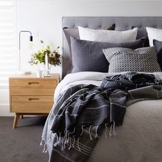 We LOVE this neutral toned bedroom styled by Sacha Kann Styling for Knotty with our Zee Zee and Luca Cushions 💙 Eadie  www.eadielifestyle.com.au