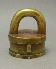 Vintage Brass Padlock   ... Vintage Antique Yale & Towne Y&T Brass or Bronze Lock Padlock no Key