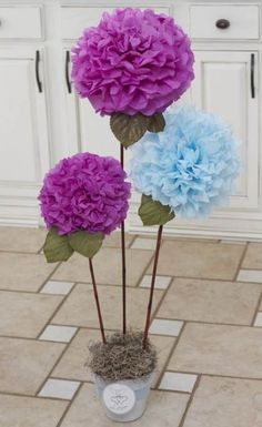 Bonsai of DIY tissue paper pom poms crafts - home decor, diy paper crafts Pom Pom Flowers, Tissue Paper Flowers, Giant Paper Flowers, Diy Flowers, Tissue Paper Pom Poms Diy, Papel Tissue, Paper Poms, Table Flowers, Deco Pastel