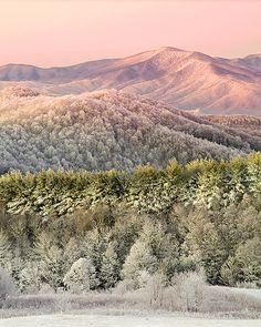 winter dawn, Max Patch Mountain along the Appalachian National Scenic Trail, western North Carolina