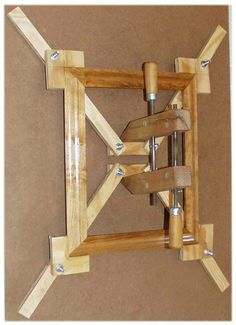 Glue jig for picture frames