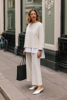 35 Classy Office Wear Looks For Fall - Outfits for Work - Business Outfits for Work Classy Work Outfits, Office Outfits Women, Fall Outfits For Work, Everyday Outfits, Everyday Fashion, Stylish Outfits, Work Wear Office, Casual Office Wear, Outfit Office