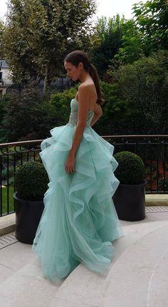 Belleza de vestido azul