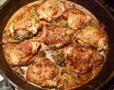 Chicken Thighs in Mushroom Mushroom Sauce, Mushroom Chicken, Chicken Thigh Recipes, Keto Chicken, Chicken Ideas, Stuffed Mushrooms, Stuffed Peppers, 30 Minute Meals, Chicken Thighs