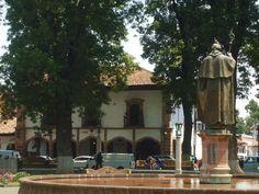 Si estas buscado hoteles centrícos en Pátzcuaro, Mansión Iturbe es una excelente opción, con una ubicación inmejorable, te esperamos!