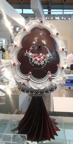 CHOCOLATE EGG - Cake by RoyalSugarArt