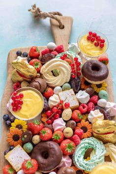 Spectaculaire brunchplank voor Pasen - Francesca Kookt Tapas, Cheat Meal, Wine Parties, Breakfast Bake, Easter Recipes, Sweet Tooth, Good Food, Easy Meals, Lunch