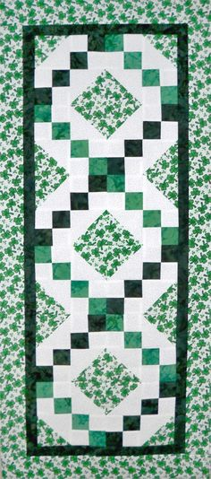 Great table runner quilt pattern for St. Patrick's Day.   AccuQuilt GO! compatible too!