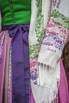 Gym Bag, Bags, Fashion, Vibrant Colors, Dirndl, Scarves, Handbags, Moda, Fashion Styles