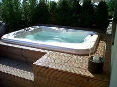 Whirlpool outdoor balkon  Whirlpool-Einfassung-hochwertig-Poolumrandung-Holzterrasse-München ...