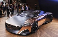 From supercars to Lana Del Rey, the best and worst of the Paris Motor Show | Motoramic - Yahoo! Autos